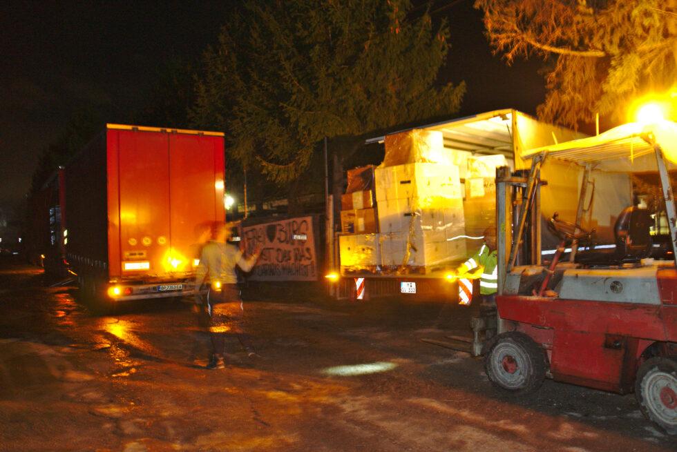 На доброто Силата, девета година. С благотворителен транспорт на DSV Road България седем палета Коледа в кутия тръгнаха от Мюнхен тази вечер.