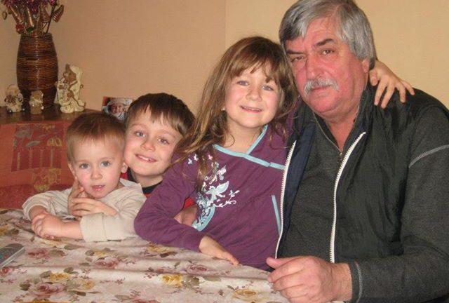 Най-мили дядо, обичането продължава.