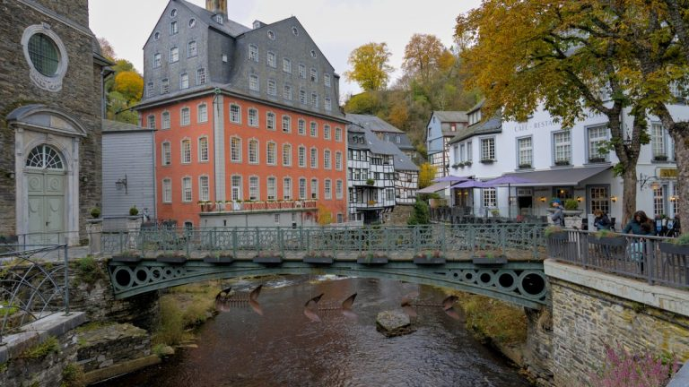 Über das märchenhafte Städtchen Monschau